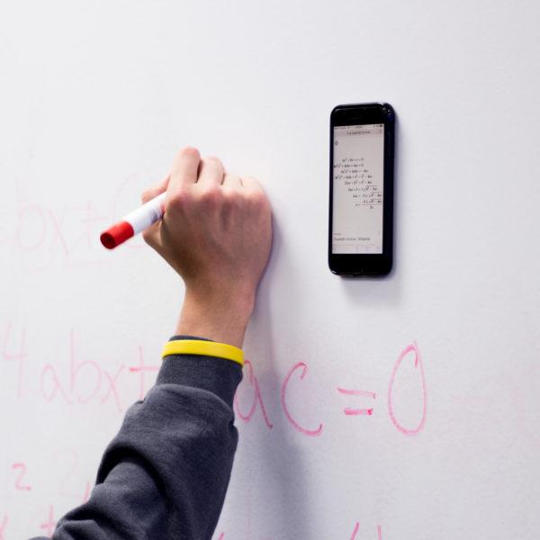 Stick Anywhere anti gravity iphone case